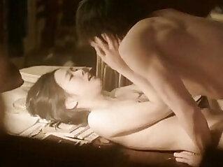 عاري - Kim Go Eun in Eungyo 2015 Korean Nude Scene
